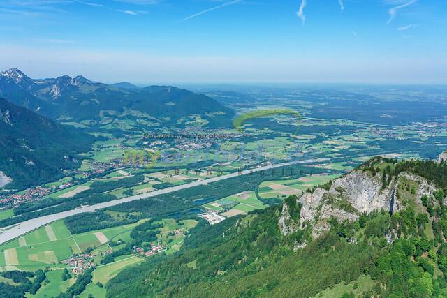 luftbild-inntal-nussdorf-brannenburg-bruno-kapeller-01 | Luftaufnahme vom bayrischen Inntal zwischen Heuberg und Wendelstein an der Grenze zu Tirol.