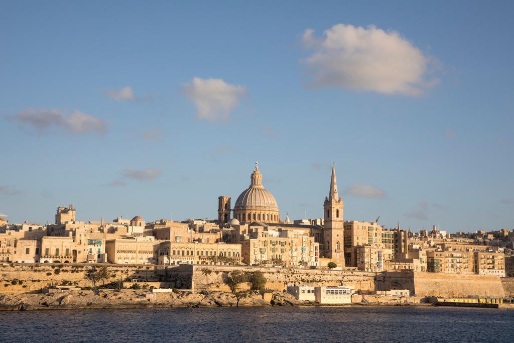 JT-170508-041 | Skyline von Valetta, der Hauptstadt von Malta, Kuppel der Karmeliter Kirche und Kirchturm der St. Paul's Anglican Pro-Cathedral Kirche,