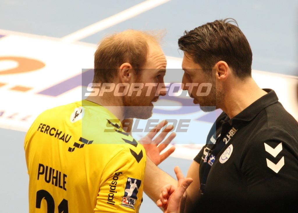 TUS N. Lübbecke - VFL Gummersbach   Matthias Puhle (links) und Anel  Mahmutefendic - © by K-Media-Sports / Sportfoto-Sale.de