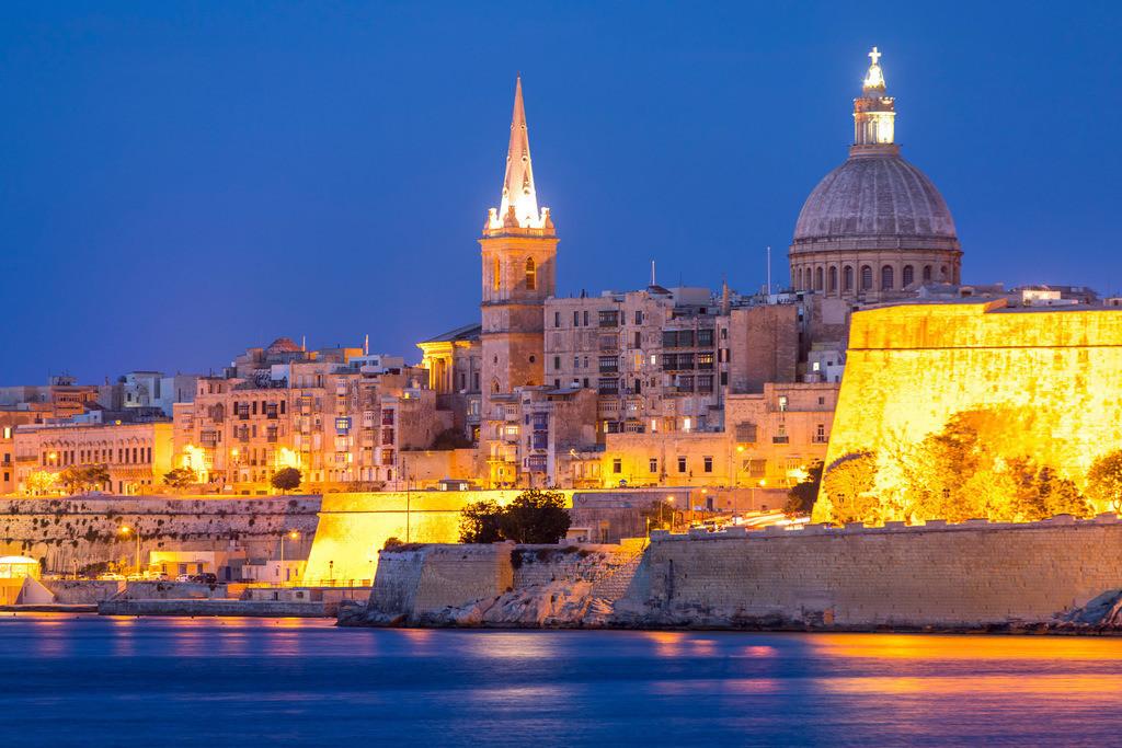 JT-170510-282 | Skyline von Valetta, der Hauptstadt von Malta, Kuppel der Karmeliter Kirche und Kirchturm der St. Paul's Anglican Pro-Cathedral Kirche,