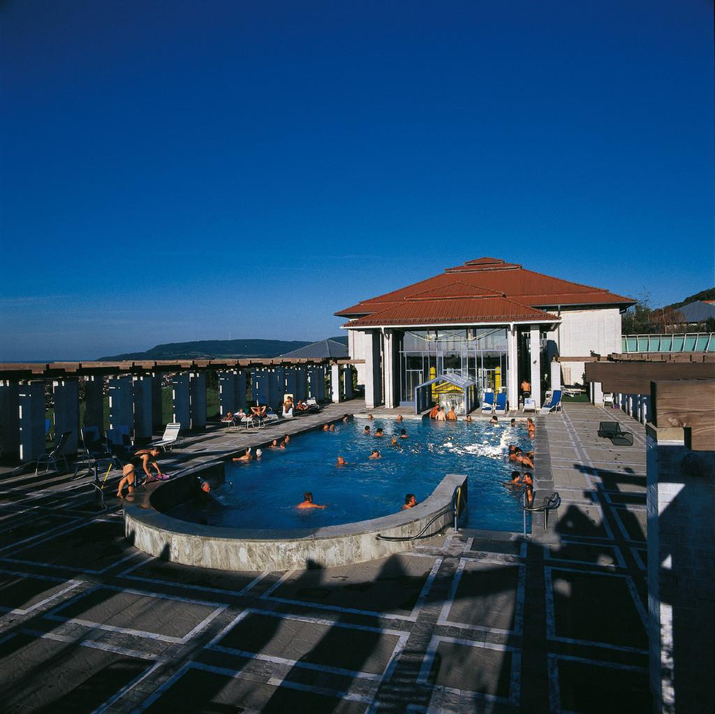 therme-aussen-hplus-hotel-aalen