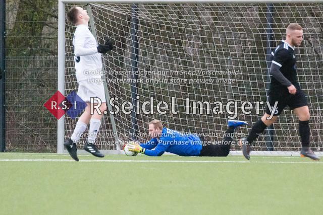 Fußball, Herren, Kreisliga 3, ETSV Hamburg II - SC Vier- und Marschlande III., Mittlerer Landweg, 01.03.2020 | Maik Günther (#1, ETSV, Torwart)