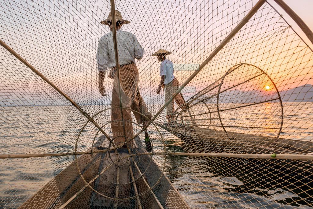 MW1116-0478 | Fischer auf dem Inle-See