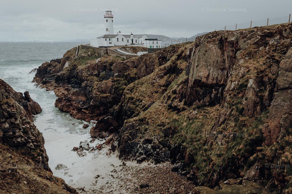 Portlaoise | Leuchtturm an einer Felsenbucht