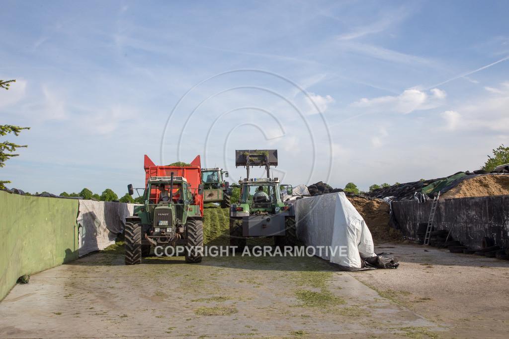 20150511-IMG_1558 | Gras silieren - AGRARMOTIVE Bilder aus der Landwirtschaft