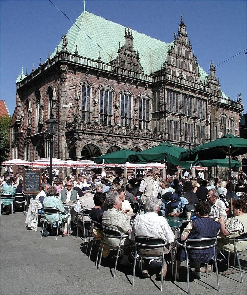 rathaus-hplus-hotel-bremen