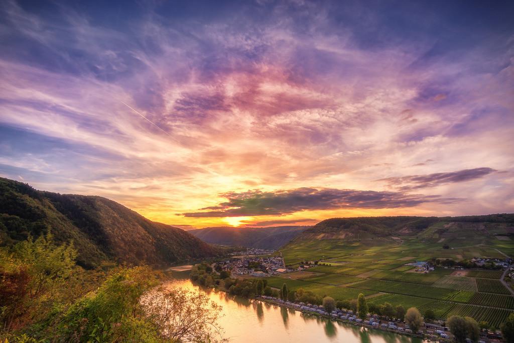 Sonnenuntergang an der Moselschleife