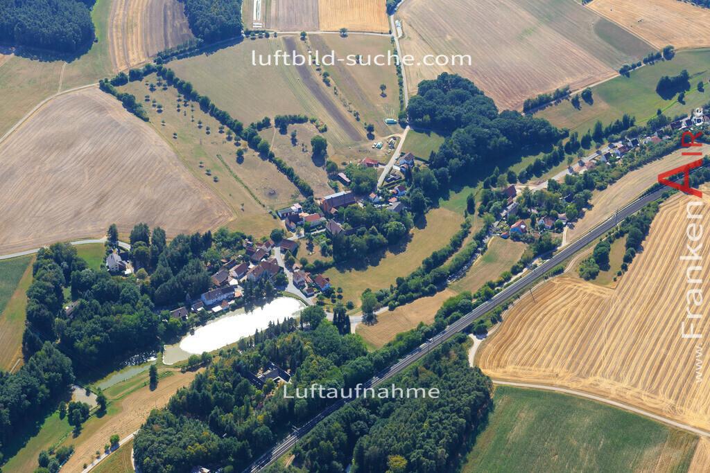 oberstrahlbach-neustadt-2015-97 | Luftbild von Oberstrahlbach Neustadt - Luftaufnahme wurde 2015 von https://frankenair.de mittels Flugzeug (keine Drohne) erstellt - die Geschenkidee
