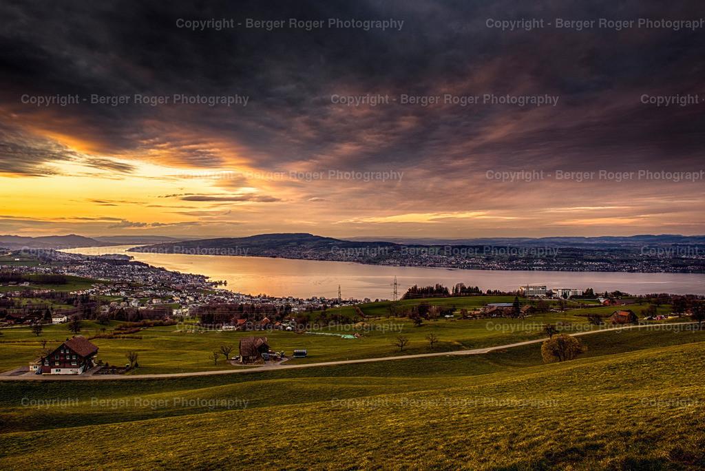 Sonnenuntergang Zürichsee   Aufgenommen im März 2020 in Feusisberg-Schindellegi
