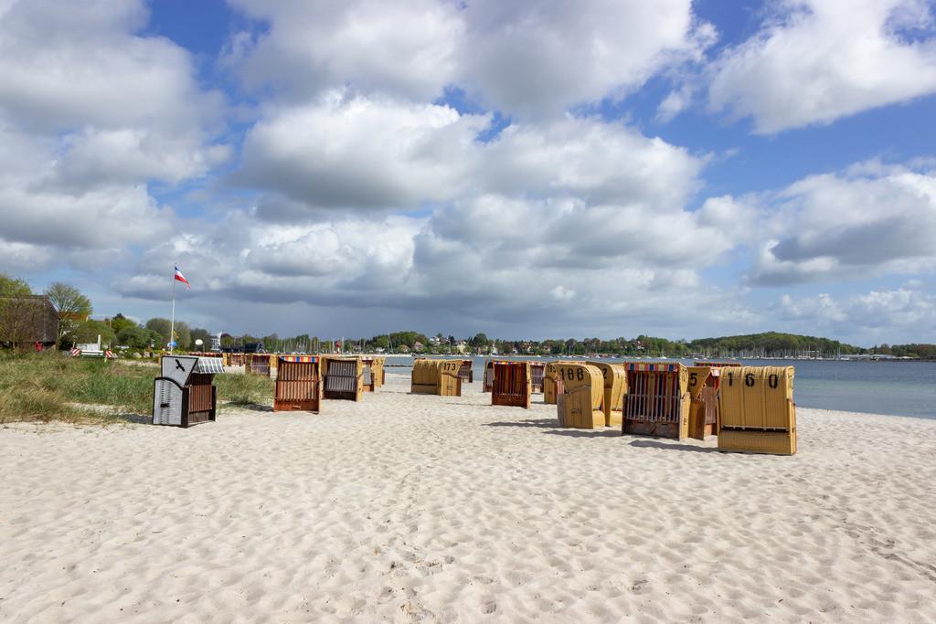 Strandkörbe an der Ostsee | Ostseestrand im Sommer