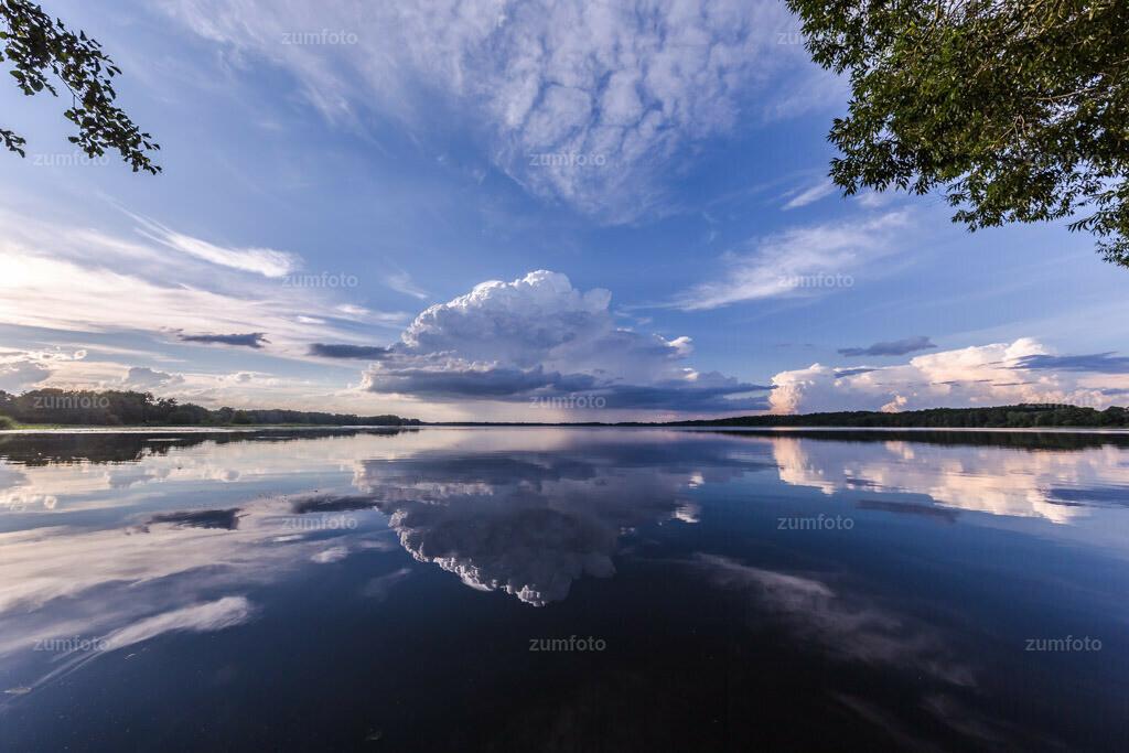 170730_1940-9982   Wolkenspiegelung im Torgelower See.   ⠀⠀⠀⠀⠀⠀⠀⠀⠀ Das Bild entstand im Sommer nach einem Gewitter. Der Torgelower See ist ca. 10 km von Waren (Müritz entfernt) ⠀⠀⠀⠀⠀⠀⠀⠀⠀ --Dateigröße 5700 x 3800 Pixel--