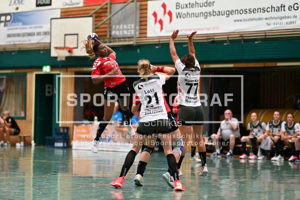 FZ6_0600 | Fanta Keita (#14, TSV Bayer Leverkusen e.V.) zum Wurf; Handball I Testspiel I Buxtehuder SV - TSV Bayer 04 Leverkusen am 01.08.2020 in Buxtehude  (Halle Nord), Deutschland