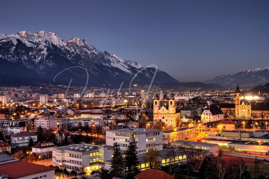 Innsbruck | Blick auf die Wiltener Basilika und Stift Wilten Richtung Osten