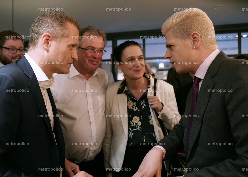 Milo Yiannopoulos im Gespräch mit Petr Bystron dabei auch Udo Hemmelgarn und Nicole Höchst (3)