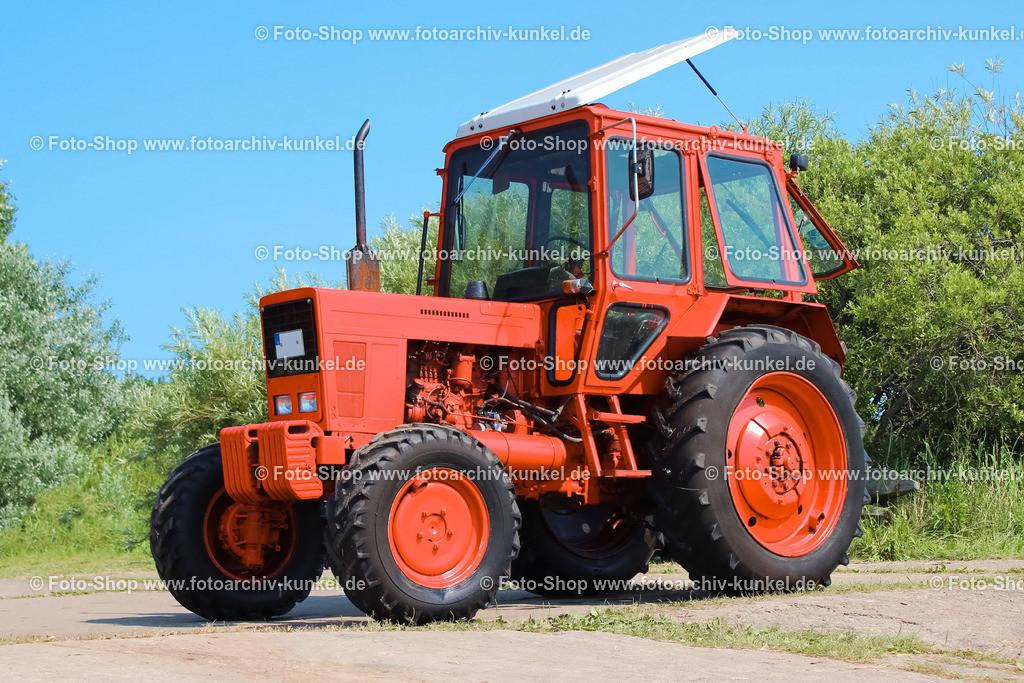 Belarus MTS-552 - Traktor, Schlepper, 4x4 | Belarus MTS-552 - Dieser Traktor ist die Allradversion des MTS-550. Er wurde im weißrussischen Traktorenwerk Minsk gebaut.