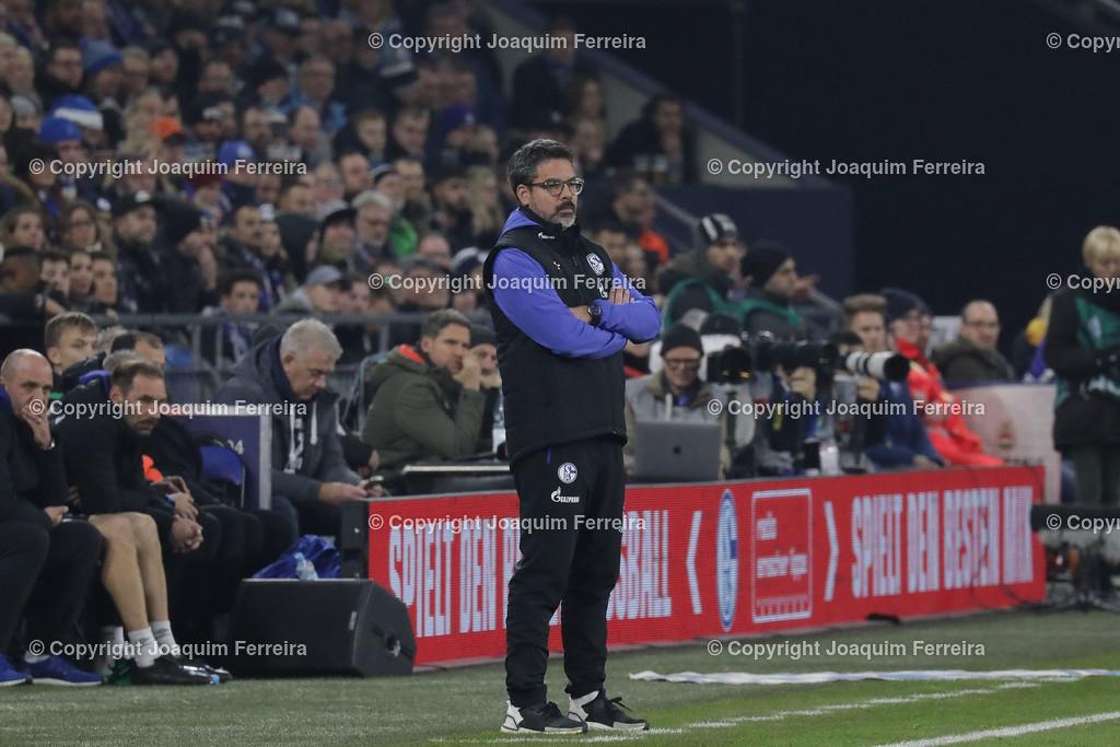 191215_schvssge_0051 | 15.12.2019 Fussball 1.Bundesliga, FC Schalke 04 - Eintracht Frankfurt  emspor  v.l.,  Trainer David Wagner (FC Schalke 04) an der Seitenlinie    (DFL/DFB REGULATIONS PROHIBIT ANY USE OF PHOTOGRAPHS as IMAGE SEQUENCES and/or QUASI-VIDEO)