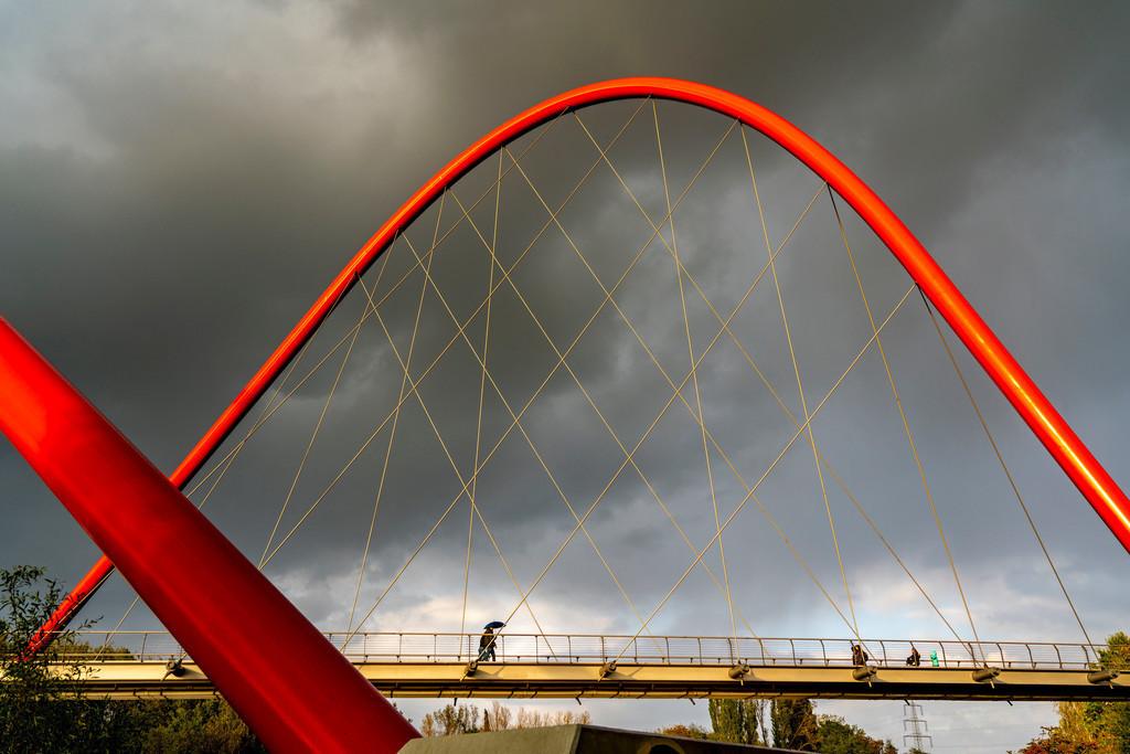 JT-201013   Doppelbrücke über den Rhein-Herne-Kanal, am Nordsternpark, bei Regen, Gelsenkirchen, NRW, Deutschland,