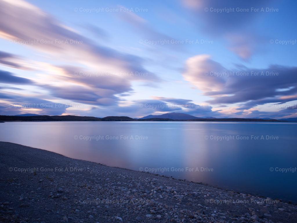 Neuseeland   Der Lake Tekopa am frühen Morgen.
