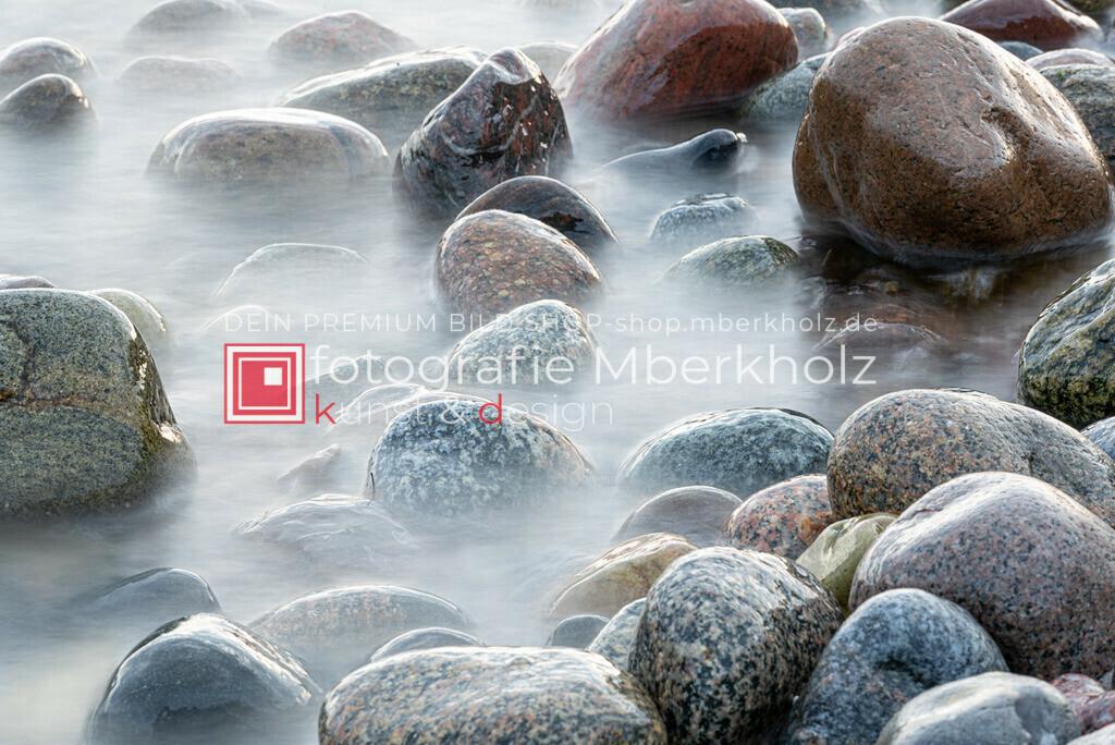 __Marko_Berkholz_Steine_MBE1340 | Die Bildergalerie Düne, Strand & Meer des Warnemünder Fotografen Marko Berkholz, zeigt Impressionen der abwechslungsreichen Dünenlandschaft an der Ostsee.