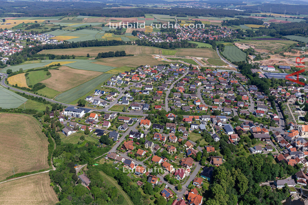 marktzeuln-2020-245 | Aktuelles Luftbild von  Marktzeuln - Die Luftaufnahme wurde 2020 mittels UL-Flugzeug erstellt ( keine Drohne ) - hochauflösende Kamera-Systeme von  Canon - Beste Qualität - Für grossformatige Ausdrucke geeignet. Die Geschenkidee !