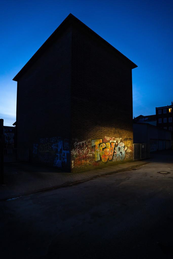 Graffiti an einer Hauswand | Graffiti an einer Hauswand am Brüderpfad in Bielefeld.