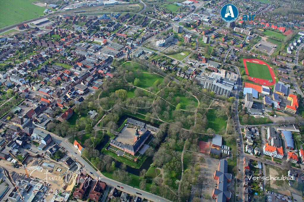 Luftbild Husum, Nordsee, Schlosspark, Husumer Schloss | Nordsee, Husum, Schloss mit Schlosspark • max. 4272 x 2848 pix.