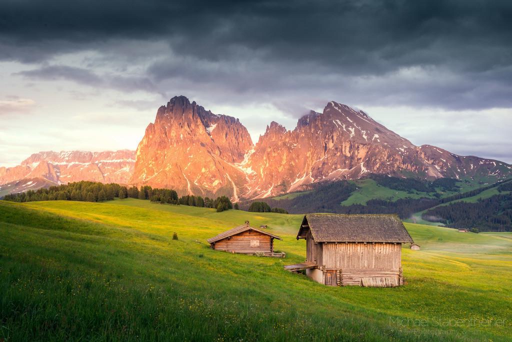 Seiser Alm | Die Seiser Alm mit dem Langkofel  in den Dolomiten in Südtirol / Italien