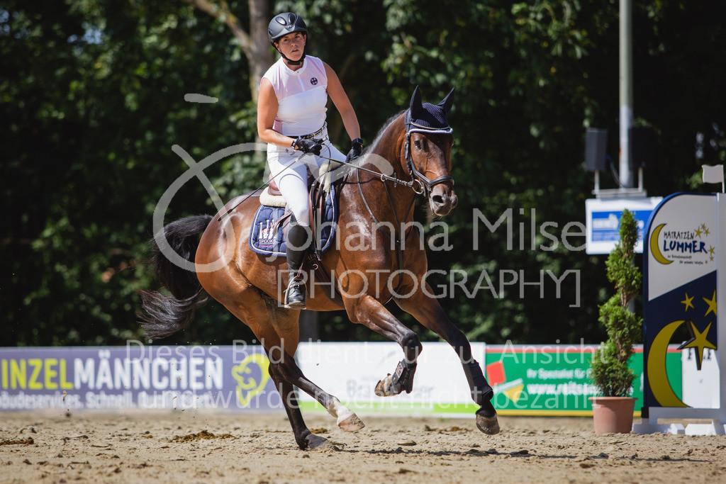 200819_Delbrück_Sprpf-A_2_1-233 | Delbrück Masters 2020 Springpferdeprüfung Kl. A** 4-6jährige Pferde