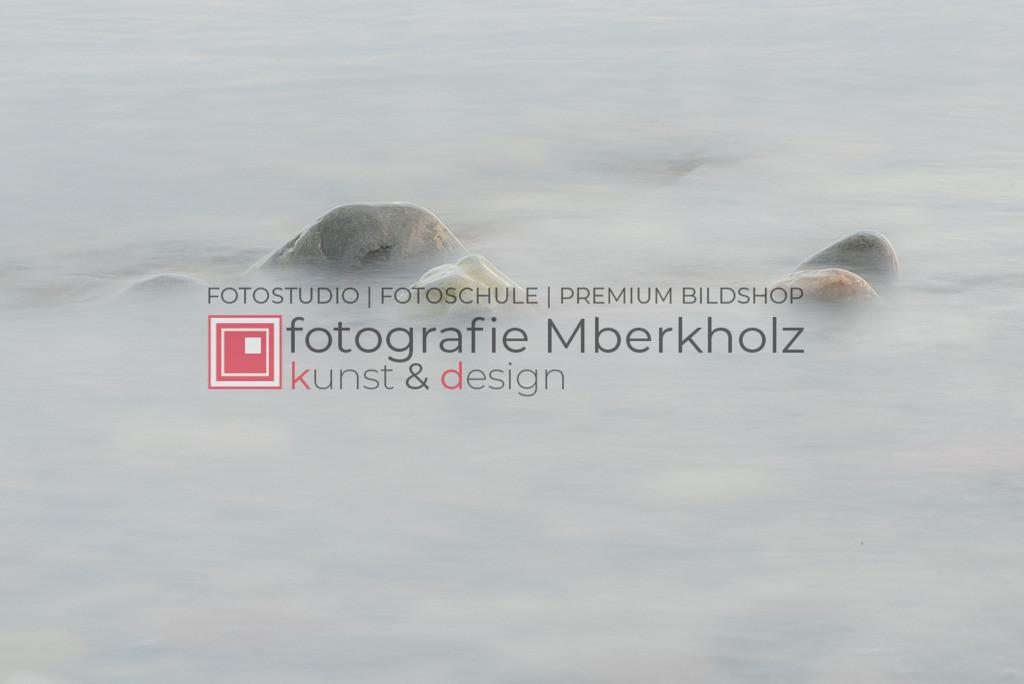 __Marko_Berkholz_Steine_MBE1356 | Die Bildergalerie Düne, Strand & Meer des Warnemünder Fotografen Marko Berkholz, zeigt Impressionen der abwechslungsreichen Dünenlandschaft an der Ostsee.