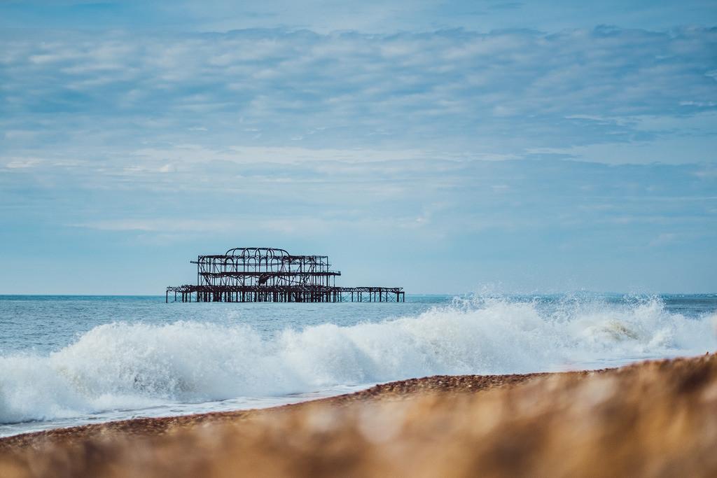 Brighton | abgebranntes West Pier am Meer, Brighton, England, Südküste