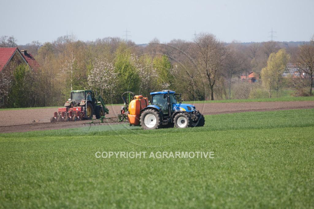 20100417-IMG_5623 | Feldspritze im jungen Getreidebestand
