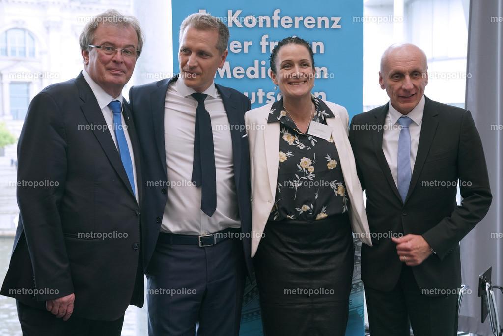 von links Udo Hemmelgarn Petr Bystron Nicole Höchst Uwe Schulz