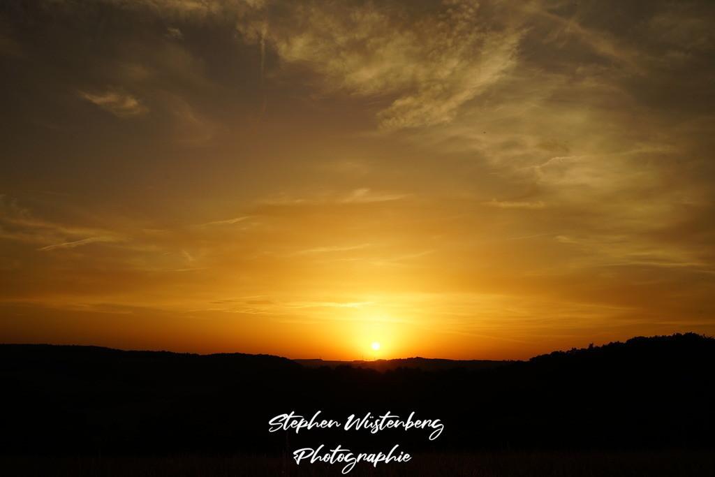 Sunset Wartenberg-Rohrbach | Sonnununtergang bei Wartenberg-Rohrbach, aufgenommen vom Bänkche