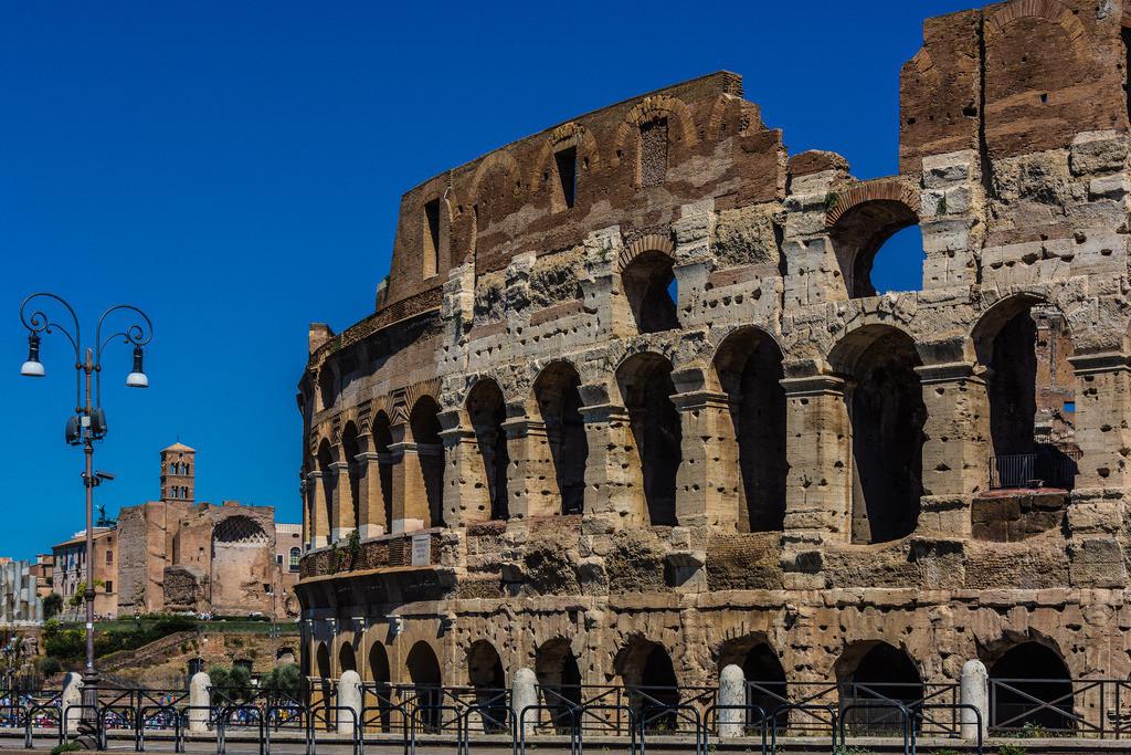 Colosseo+Tempio di Venere e Roma-Rom-2