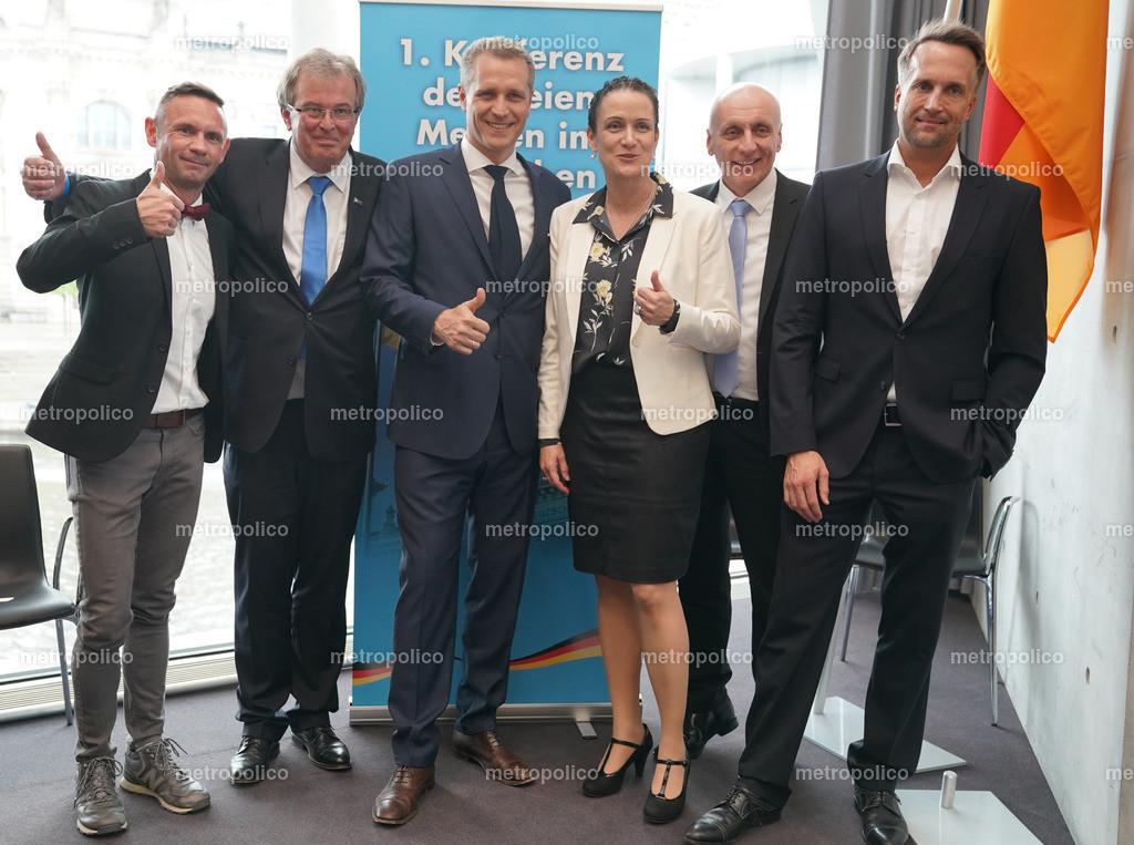 Konferenz der freien Medien im Bundestag von links nach rechts David Berger Udo Hemmelgarn Petr Bystron Nicole Höchst Uwe Schulz Ralf Höcker (6)