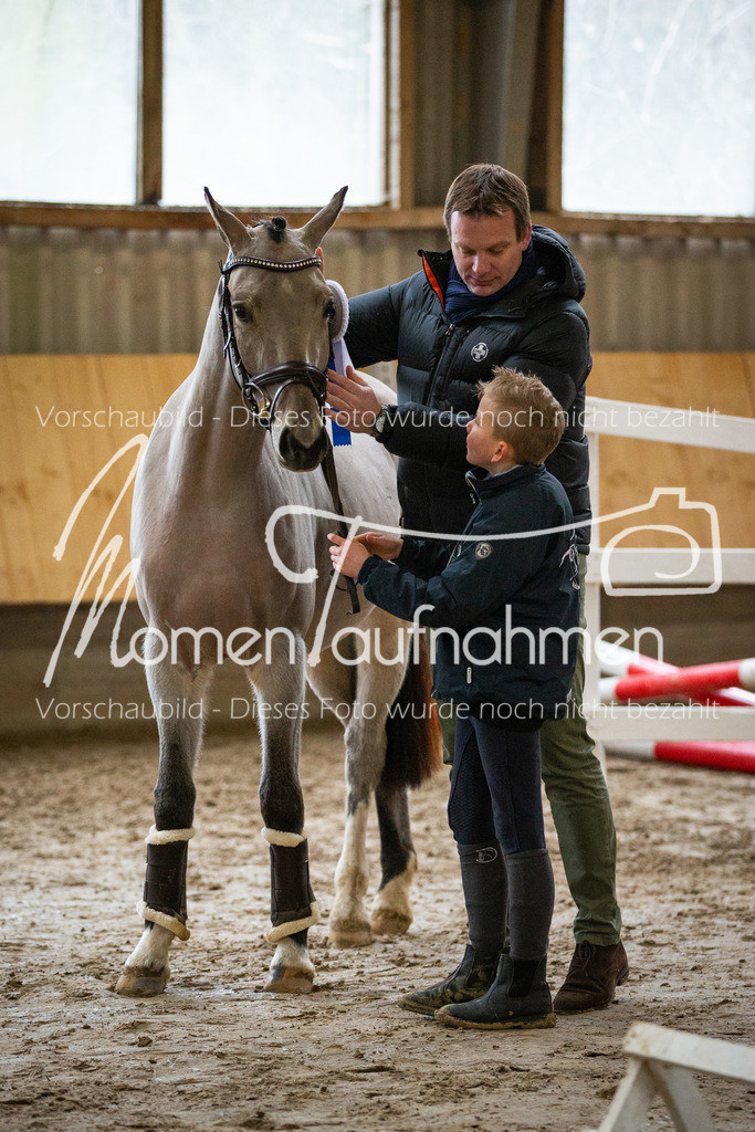 Freispringen-Pony-3j-48