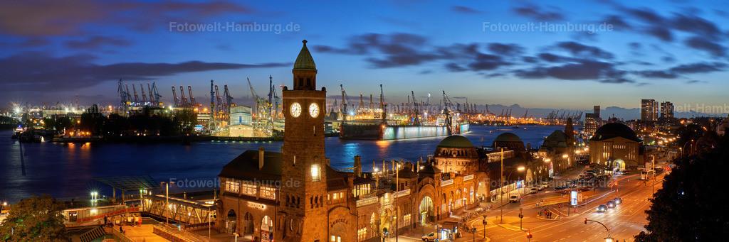 11942315 - Blaue Stunde an den Landungsbrücken | Panoramablick über Landungsbrücken auf den Hamburger Hafen zur blauen Stunde.