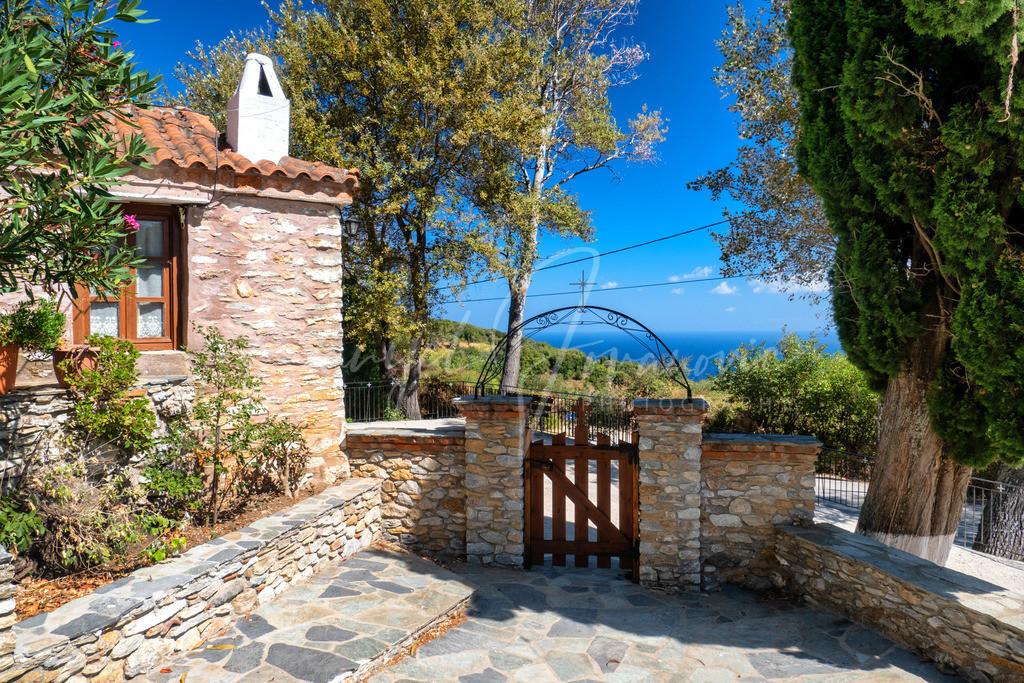 Ekklisia Taxiarches | Kleine Kirche mit Blick auf die Ägais - Skiathos