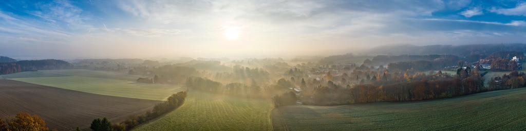 Sonnenaufgang über Kirchdornberg (Panorama) | Panoramabild von einem Sonnenaufgang über Kirchdornberg.