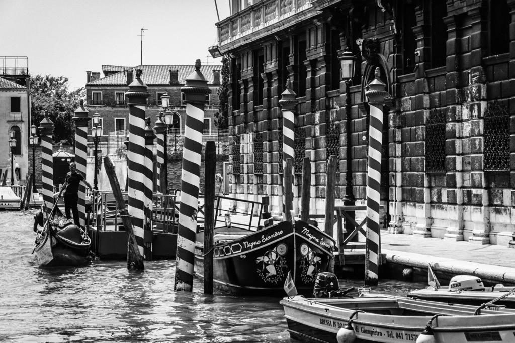 Venice-bnw-2