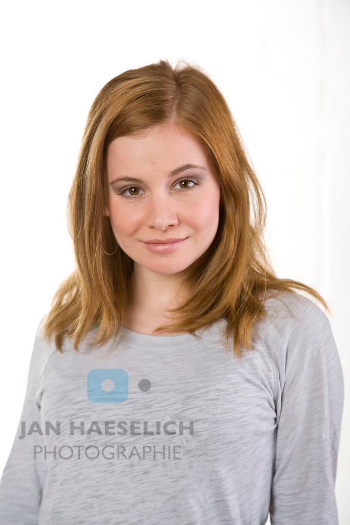 Josefine Preuß | Fototermin zur ARD Vorabendserie