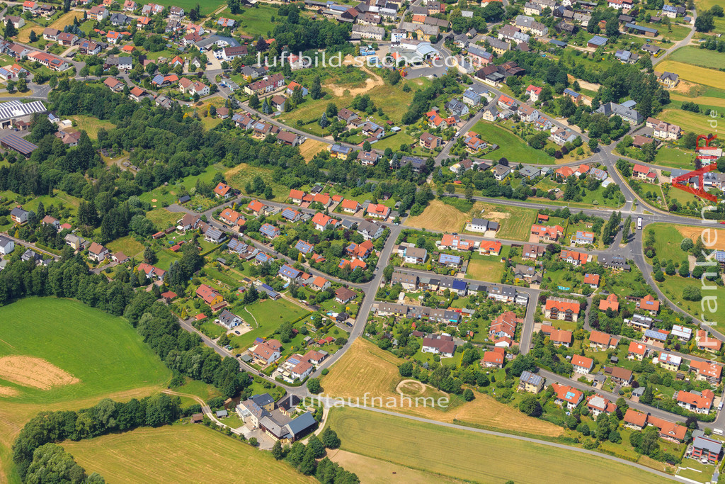 schoenbrunn-wunsiedel-2016-246   Luftbild von Schoenbrunn Wunsiedel - Luftaufnahme wurde 2016 von https://frankenair.de mittels Flugzeug (keine Drohne) erstellt - die Geschenkidee