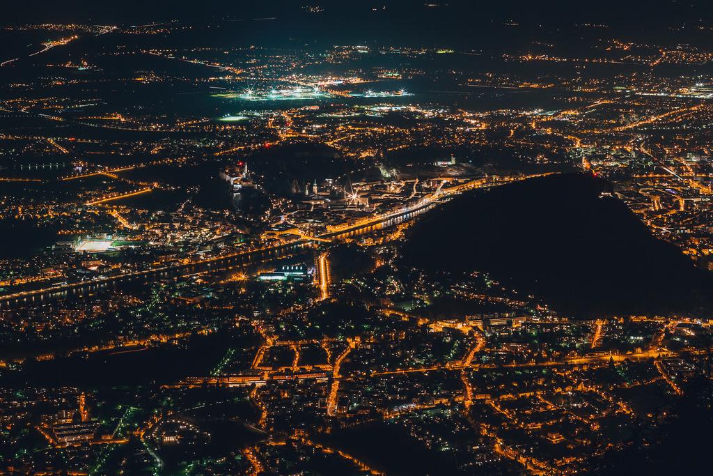 Salzburg bei Nacht  | Salzburg bei Nacht - Blick vom Gaisberg auf die Stadt
