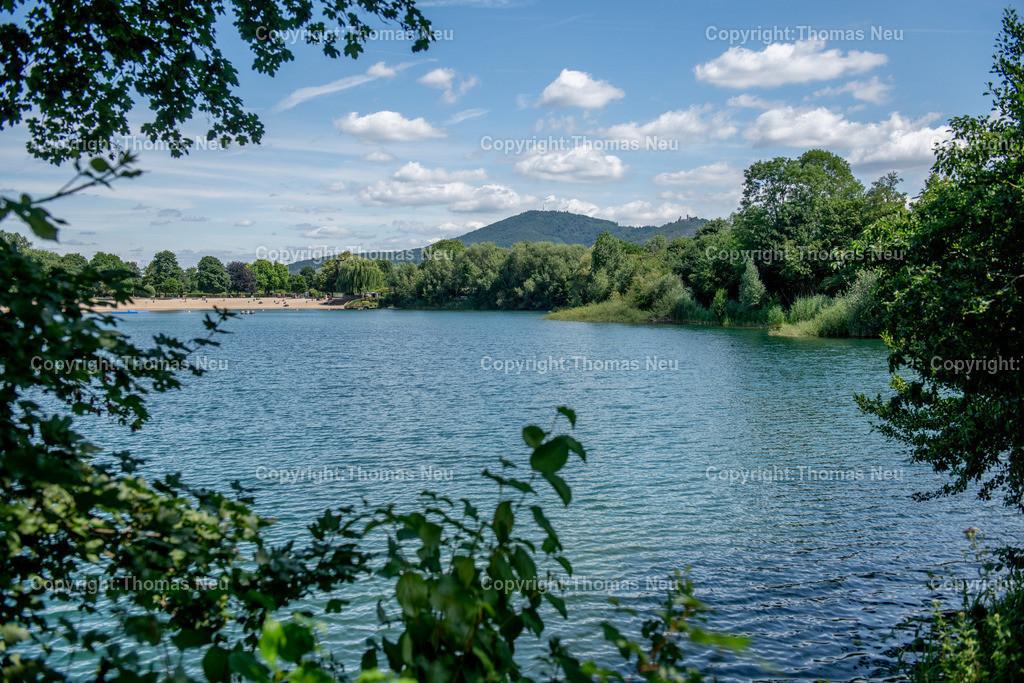 DSC_0727   Badesee, Bensheim, bbe, Blick über den See auf den Melibokus, ,, Bild: Thomas Neu