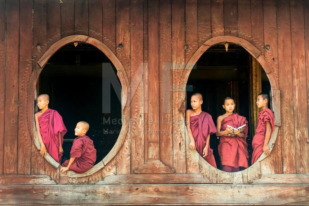 MW0115-9315   Mönche im Kloster Shwe Yan Bye in Nyaungshwe