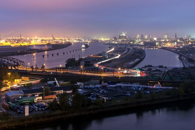 Hamburger Hafen bei Nacht | Der Hamburger Hafen, die Hafencity und die Elbphilharmonie bei Nacht