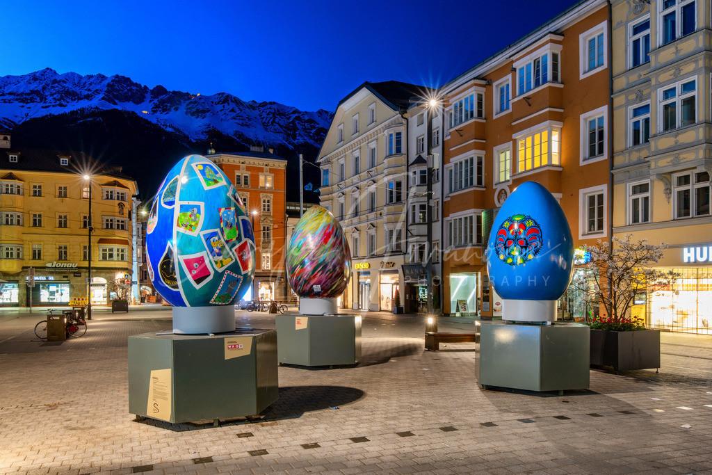 Ostern in Innsbruck   Dekorierte Maria-Theresien-Straße