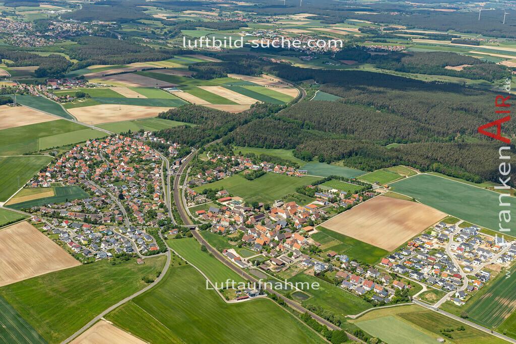 hagenbuechach-2020-06   Aktuelles Luftbild von  hagenbuechach - Die Luftaufnahme wurde 2020 mittels UL-Flugzeug erstellt ( keine Drohne ) - hochauflösende Kamera-Systeme von  Canon - Beste Qualität - Für grossformatige Ausdrucke geeignet. Die Geschenkidee !