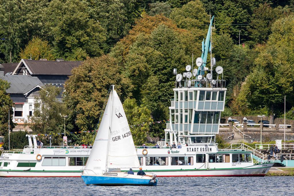 JT-170916-212 | Der Baldeneysee in Essen, Regattaturm,