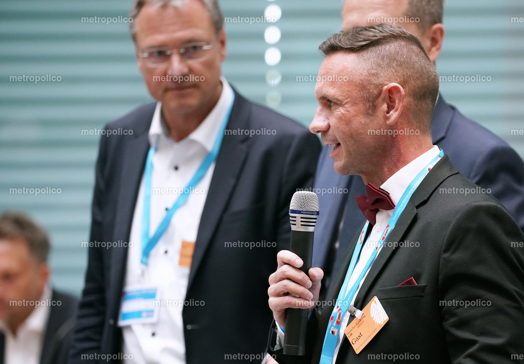 David Berger am Mikrofon